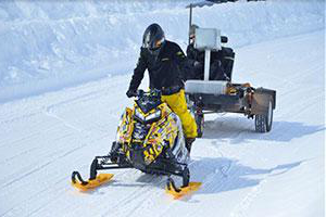 Clarkson's Clean Snowmobile Diesel Sled 速度 team competes in an annual competition
